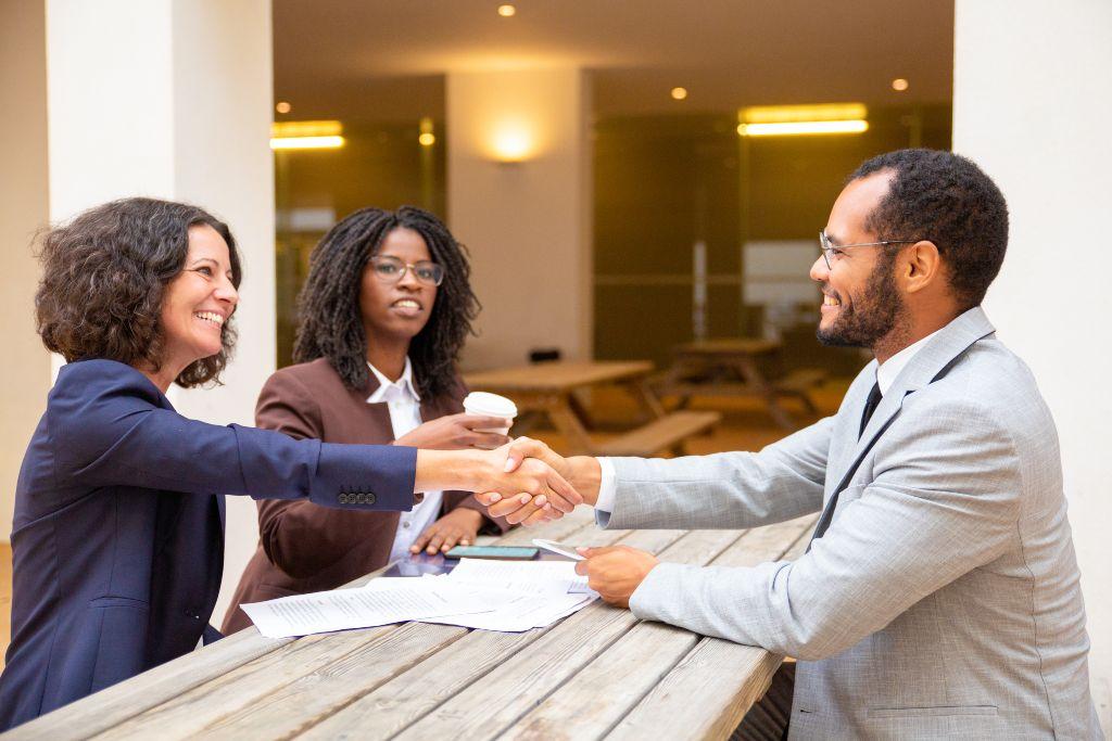 Saiba como abordar um cliente